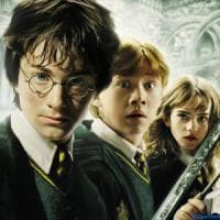 La magia della madre di Harry Potter: Rowling invia libri del maghetto a una bimba di Aleppo