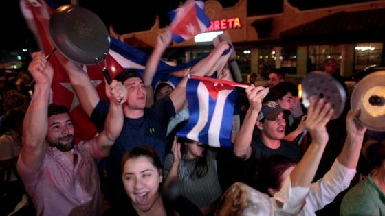 """Morte di Fidel, la dissidenza cubana: """"Finalmente è morto"""""""
