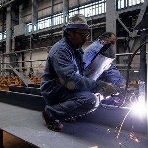 Metalmeccanici, accordo sul contratto. Aumento di 92 euro