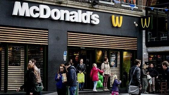 """""""Basta McDonald's e kebab in centro"""": una legge per salvare la Grande bellezza"""