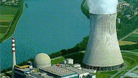 Referendum, gli svizzeri bocciano lo stop accelerato al nucleare