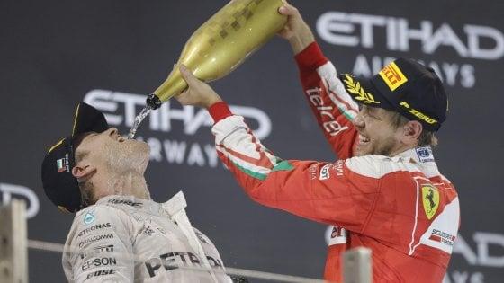 F1, Rosberg campione del mondo: Hamilton vince ma non basta
