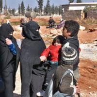 Siria, avanzata del regime: in meno di 24 ore 10.000 civili fuggono da Aleppo-est, in mano ai ribelli