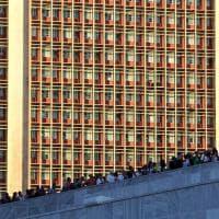 Cuba, il lungo addio a Fidel: migliaia in fila in Plaza de la Revoluciòn