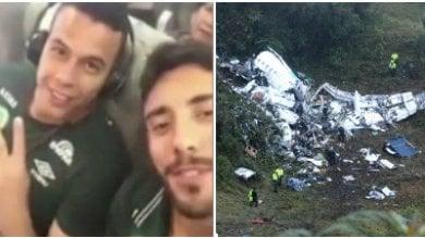 Tragedia Chapecoense, anche il calcio italiano piange: minuto di silenzio e lutto al braccio