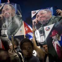 """""""Siamo Fidel"""": decine di migliaia all'Avana per l'omaggio al Líder Maximo"""