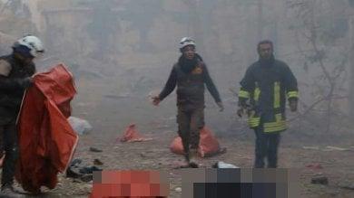 Siria, nuovi attacchi contro civili in fuga da Aleppo est: almeno 45 morti