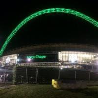 Chape, la solidarietà si tinge di verde: dal Cristo Redentore all'Allianz Arena