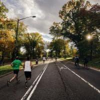 In bici o a piedi: ecco la velocità giusta per difendersi dallo smog