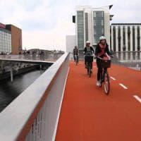 Più bici che auto private: Copenaghen capitale europea del traffico green