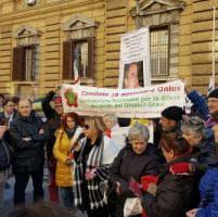 """La protesta dei malati di Sla davanti al ministero: """"Servono più risorse"""""""