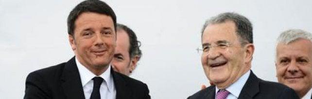 Prodi sul referendum: Sento il dovere rendere pubblico il mio Sì. D'Alema: È Renzi il capocasta