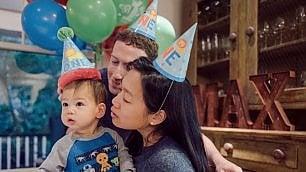 Usa, Max compie un anno e dà un bacio al papà: Zuckerberg festeggia su Fb