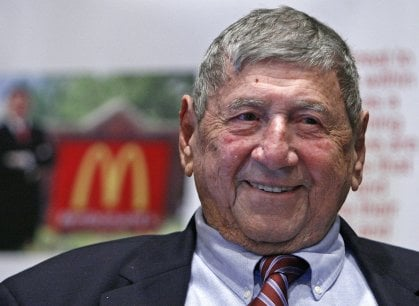 Addio al papà del Big Mac, icona del fast food