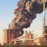 Pavia, esplosione nella raffineria Eni