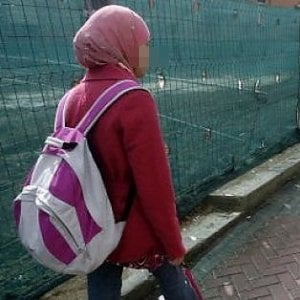 Udine, non porta velo islamico: madre picchia adolescente