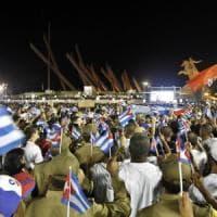 """Cuba, ultimo omaggio a Fidel Castro. Raúl: """"Difenderemo il socialismo, sì se puede"""""""