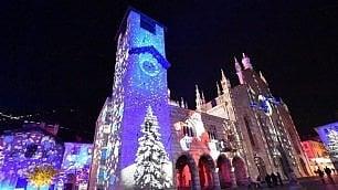 Como, Natale illumina i palazzi del centro grazie al videomapping