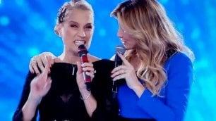 """Heather Parisi contro Lorella """"Io solo un'ospite nello show"""""""