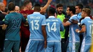 Derby alla Roma, si scatena la rissa