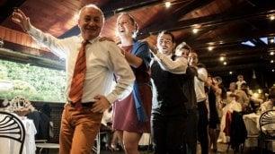 Referendum, ironia social: Trenini e spumante, al Cnel si festeggia