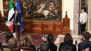 """Referendum,  il No vince e Renzi lascia  """"Nel pomeriggio al Colle per dimissioni""""   Si apre crisi di governo: che succede ora?"""