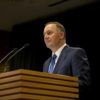 """Nuova Zelanda, la moglie al primo ministro: """"O la famiglia o il lavoro"""". E lui si dimette"""