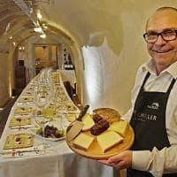 E nel bunker si degustano i formaggi d'alpeggio