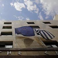 La Ue chiede nuovi tagli alla Grecia ma apre alla riduzione sul debito