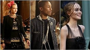 Cara, Pharrell, Lily-Rose in Chanel sfilano a Parigi tra i tavoli del Ritz