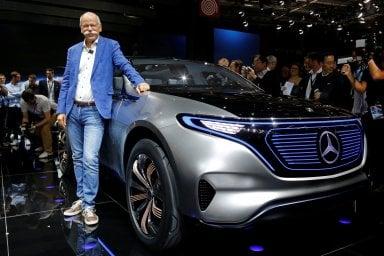 Chi guida la Mercedes? L'intelligenza artificiale