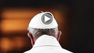 """""""Come Dio comanda"""" in verticale Il Papa raccontato su smartphone"""
