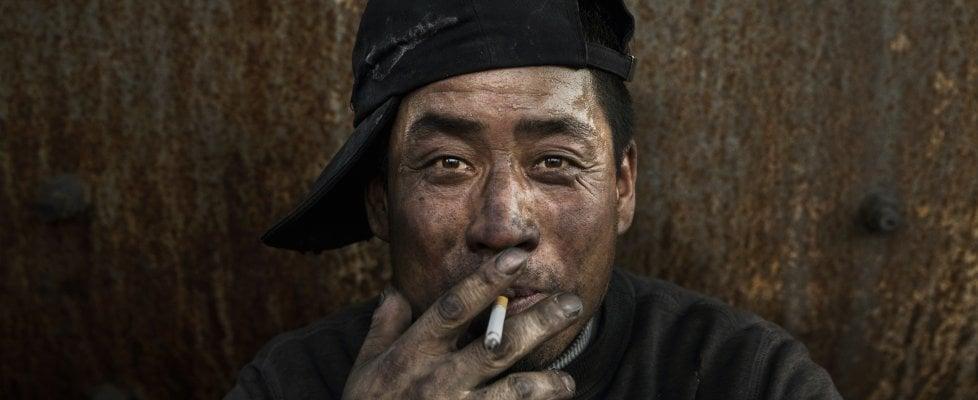 Illegali e inquinanti: l'inferno di metallo delle acciaierie cinesi