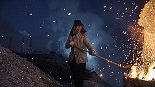 L'inferno di metallo delle acciaierie cinesi   di ANGELO AQUARO, foto di KEVIN FRAYER
