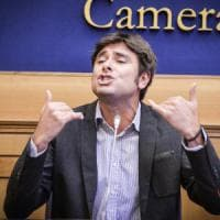 """Di Battista (M5s): """"Dal fisco ai migranti ecco il programma. Vogliamo referendum..."""