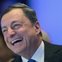 Draghi allunga il Qe di nove mesi. Ma inizierà a ridurre gli acquisti