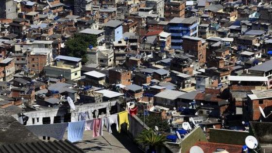 Brasile, italiano ucciso in una favela di Rio. Forse per rapina o perché in zona controllata da trafficanti