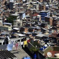 Brasile, italiano ucciso in una favela di Rio. Forse per rapina o perché