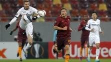 Fiorentina vince girone    Roma, pari in Romania  Cori anti-Lazio nel 1'  di silenzio per la Chape   Inter batte Sparta Praga