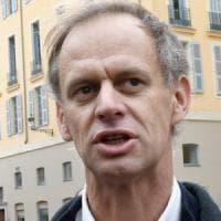Francia, ricercatore universitario a processo per aver dato un passaggio