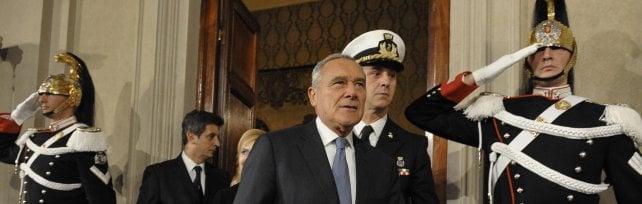 Mattarella, nuovo governo entro il 15/12  La prima opzione è il reincarico a Renzi      liveblog