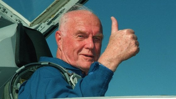 Addio a John Glenn, primo astronauta Usa a volare in orbita intorno alla Terra