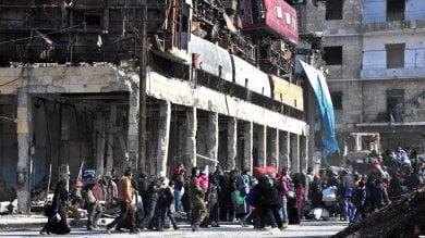 """Aleppo est, ripresi i bombardamenti  Lavrov: """"Avanti finché ci saranno banditi"""""""
