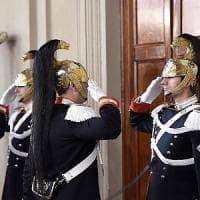 """Consultazioni, giorno decisivo. Alfano: """"Governo di tutti o Renzi bis"""". Padoan e..."""