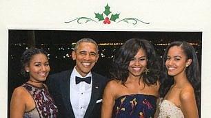 L'ultimo Natale degli Obama in posa per la cartolina di addio