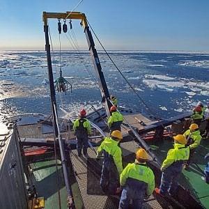 Riscaldamento globale: il permafrost si scioglie e libera gas serra