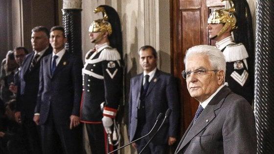 """Finite le consultazioni. Pd: """"Governo di tutti per andare al voto"""" M5s: """"Renzi resti, elezioni dopo la Consulta"""""""
