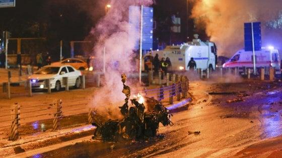 Risultati immagini per autobomba turchia