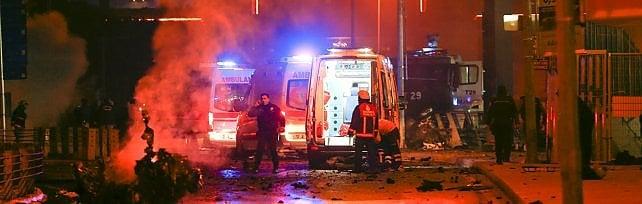 Autobomba e kamikaze in centro a Istanbul  almeno 15 morti e decine di feriti   video