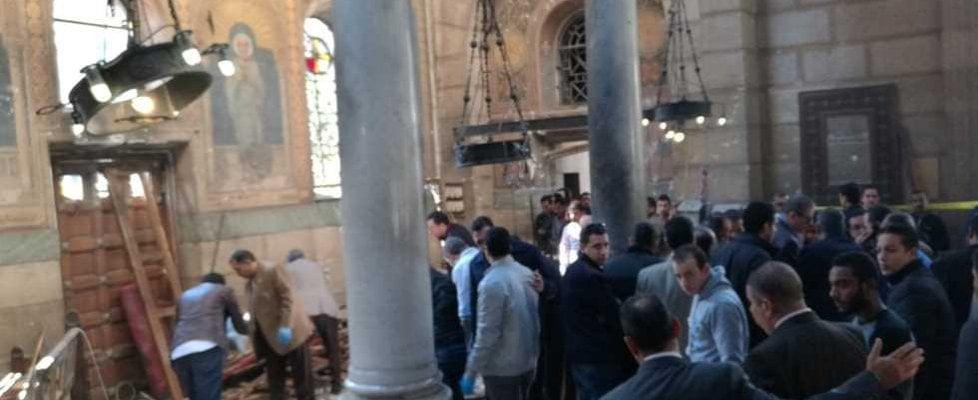 Egitto, attentato al Cairo in edificio della cattedrale copta: 25 morti, sei sono bambini